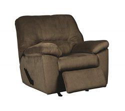 Ashley Furniture Signature Design – Dailey Recliner – Contemporary Upholstered Recli ...